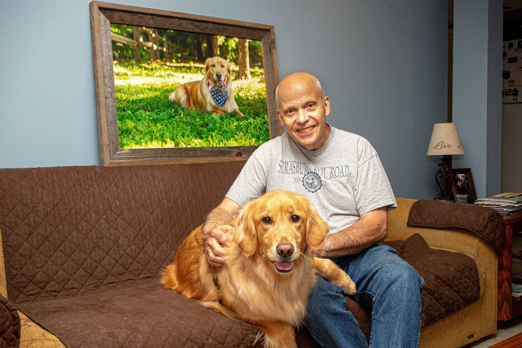 Did you know that a therapy dog needs an official photograph to be licensed?